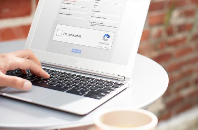 Google's new reCAPTCHA automatically tells you're not a bot