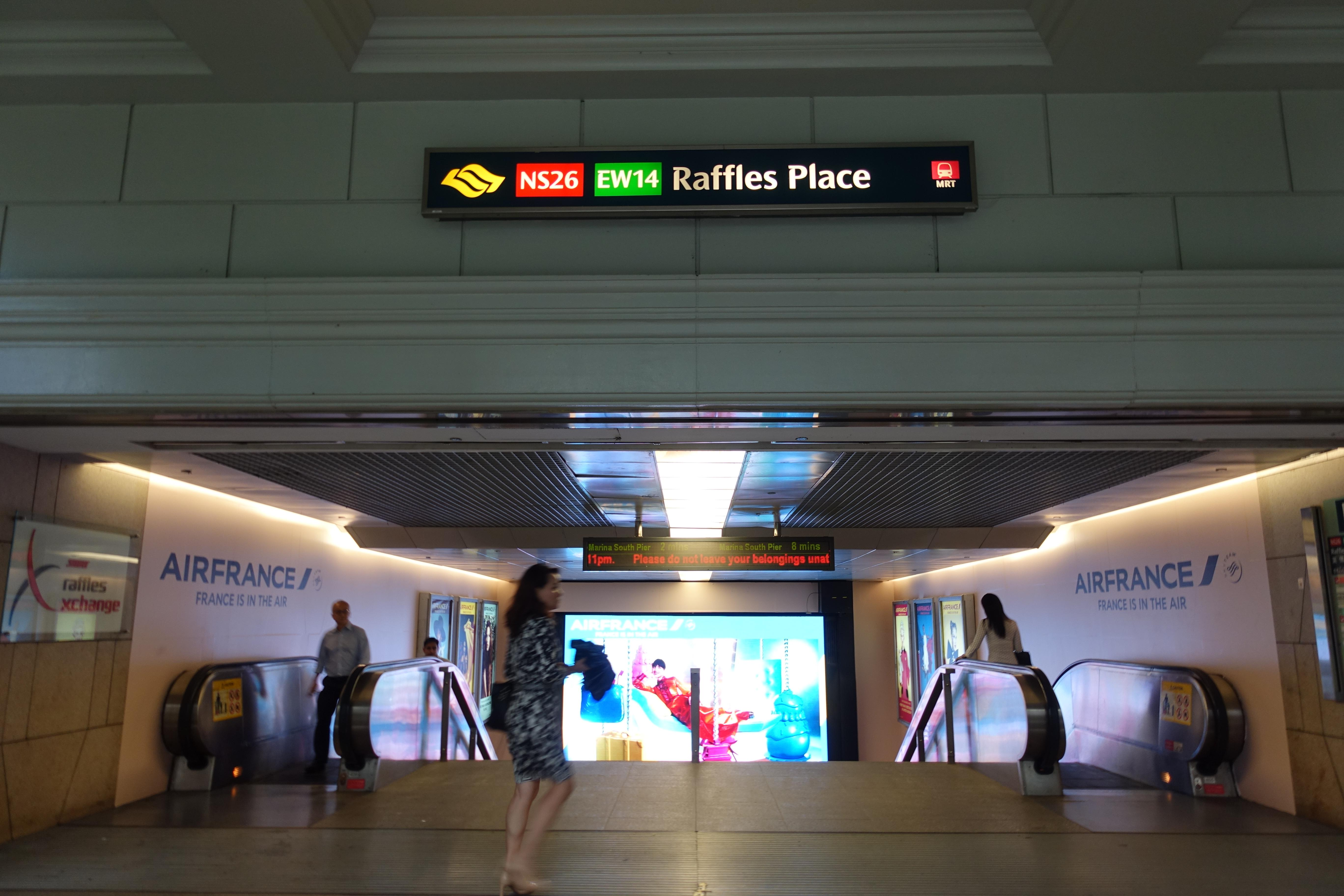 Man to be charged for assaulting SMRT service ambassador at Raffles Place MRT
