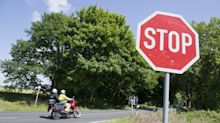 Wo müssen Autofahrer bei einem Stoppschild genau halten?