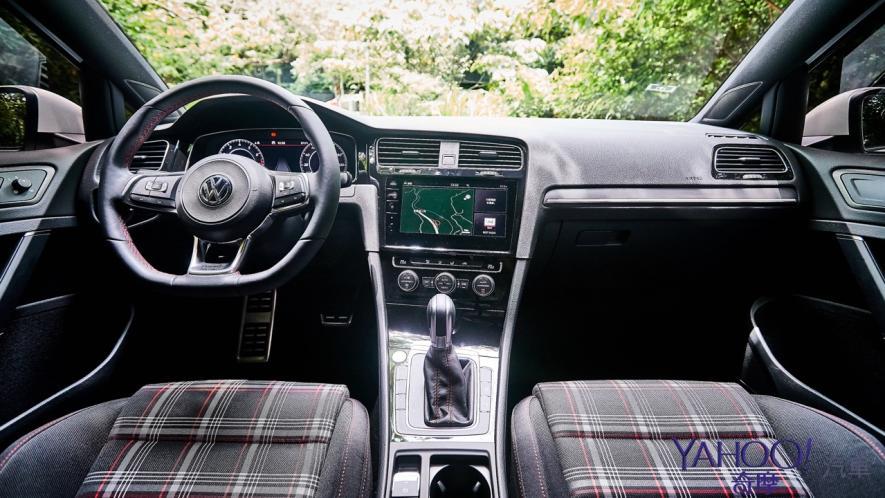 純粹駕馭的經典傳承!5代目視角下的2019 Volkswagen Golf GTi Performance Pure試駕 - 13