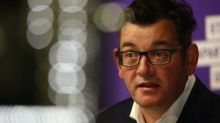 Daniel Andrews condemns Border Force delays after 17 New Zealanders allowed to fly to Melbourne