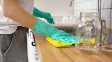 El misterioso intruso de Massachusetts que irrumpe en casas para... limpiarlas, literalmente