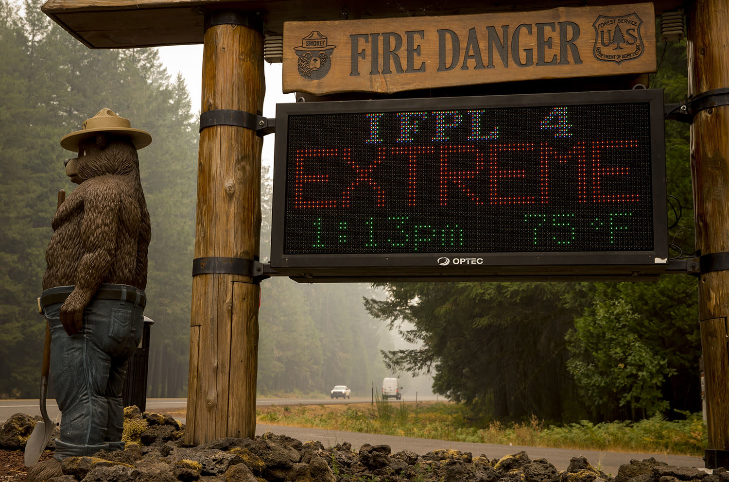 <p>A sign board at the McKenzie River Ranger Station makes clear the fire danger level in the Willamette National Forest, on Sept. 6, 2017 in Blue River, Ore. Several fires are burning in the area. (Photo: Andy Nelson/The Register-Guard via AP) </p>