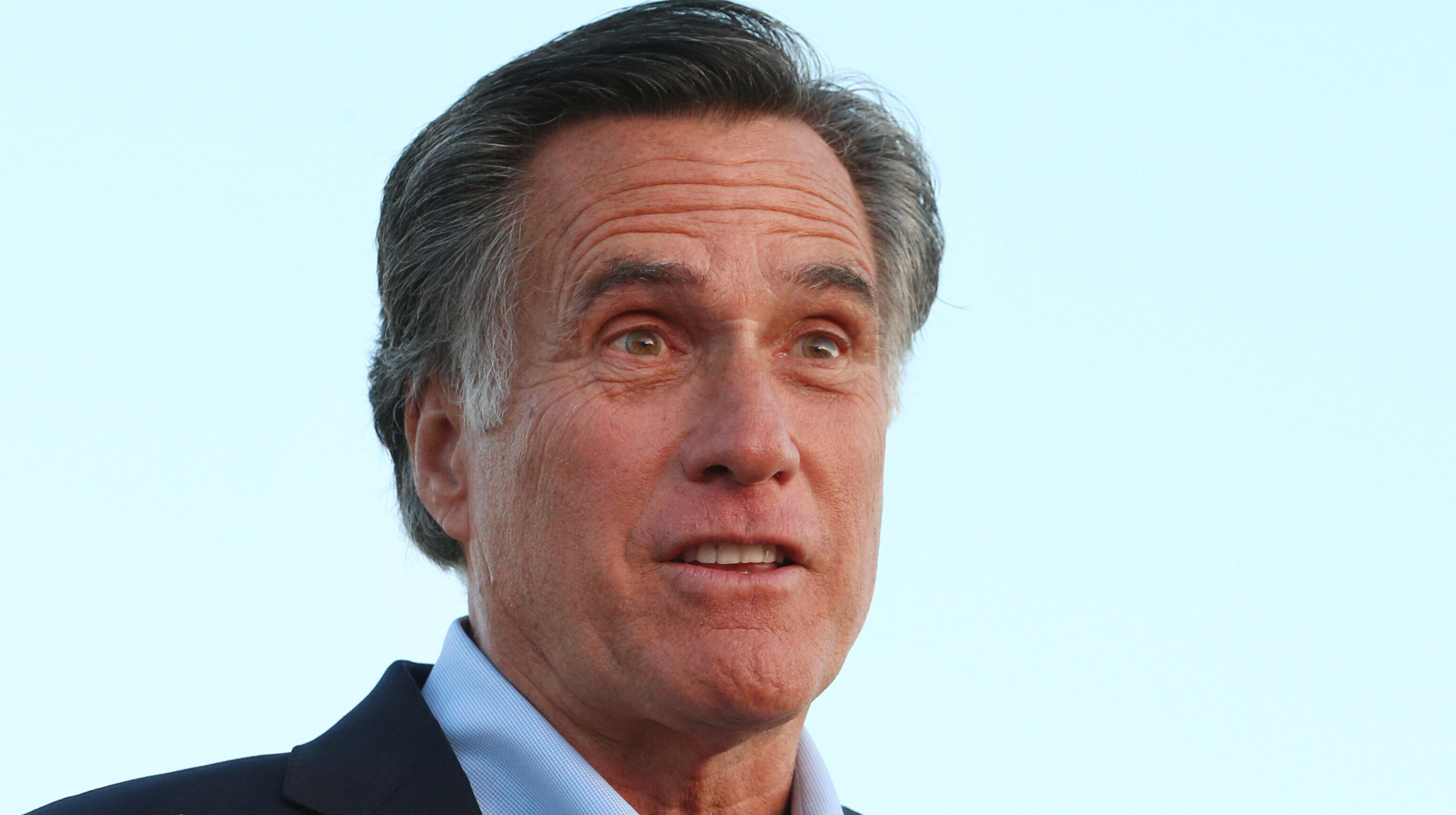 Mitt Romney's 'Game Of Thrones' Gift For Wife Goes Viral For Unfortunate Reason