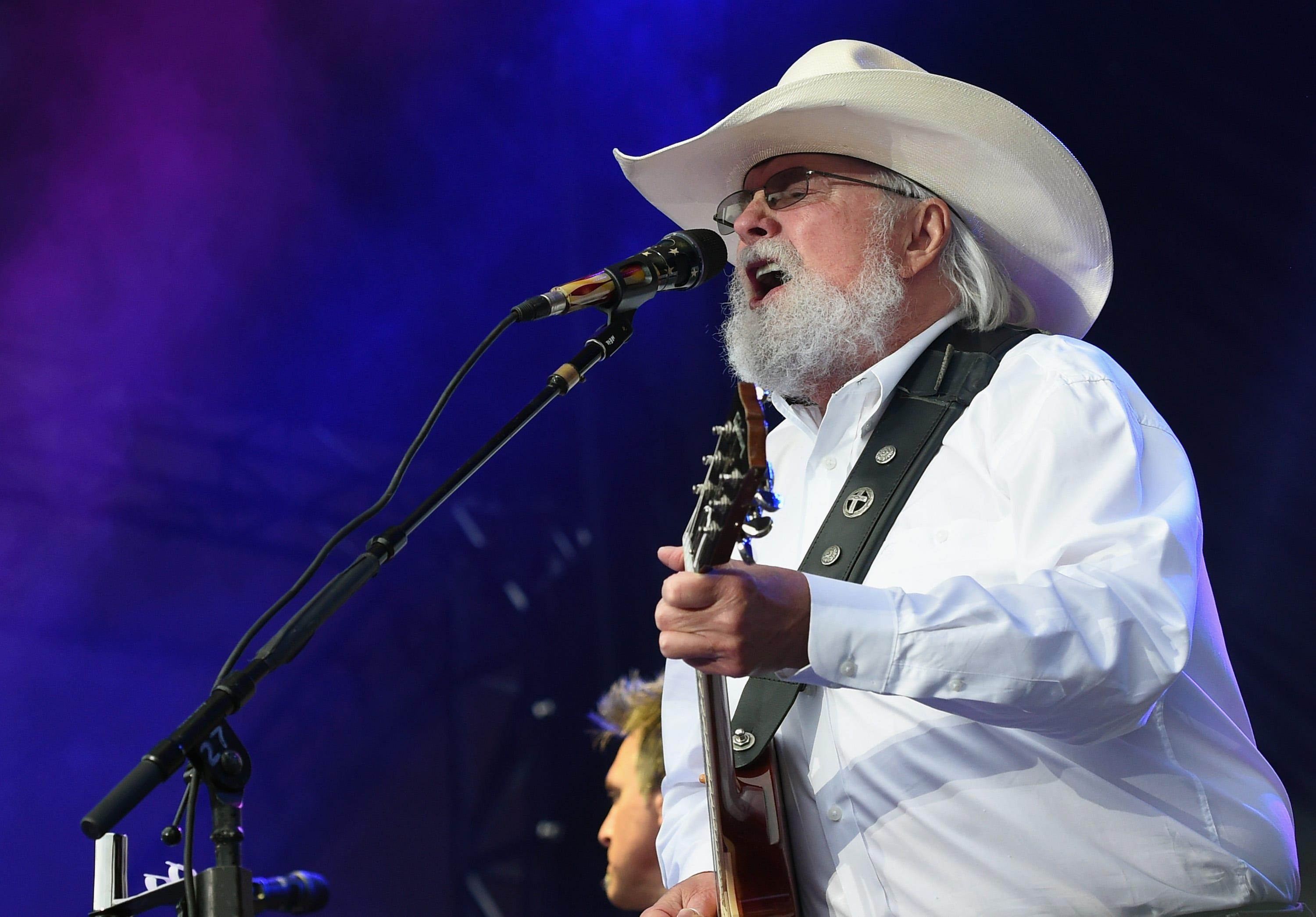 Trump's travels, Nevada's bar closures, Charlie Daniels' funeral: 5 things to know Friday