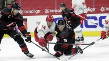 Hurricanes take over in 3rd period, beat Red Wings 5-2