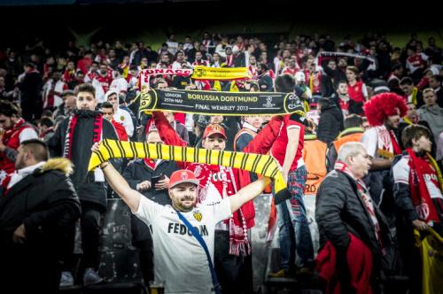 Monaco-Fans machten deutlich: An den Wettkampf denkt hier niemand mehr. (Bild: Twitter / AS Monaco)