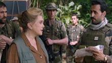 """Catherine Deneuve empêtrée avec Jonathan Cohen dans """"Terrible jungle"""""""