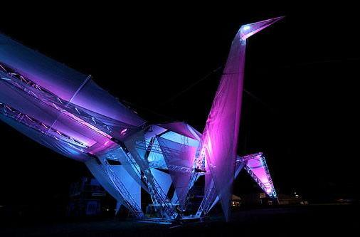 Massive, solar powered bird is overseeing Coachella, pretty stoked about its chance to see Phoenix