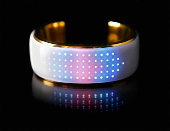 ​This Bluetooth bangle lights up to match your outfit, tells you when you miss a call