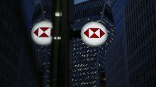 HSBC, StanChart Slide After Halting Dividends at BOE Request