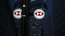 HSBC, StanChart Slump in Hong Kong After Scrapping Dividends