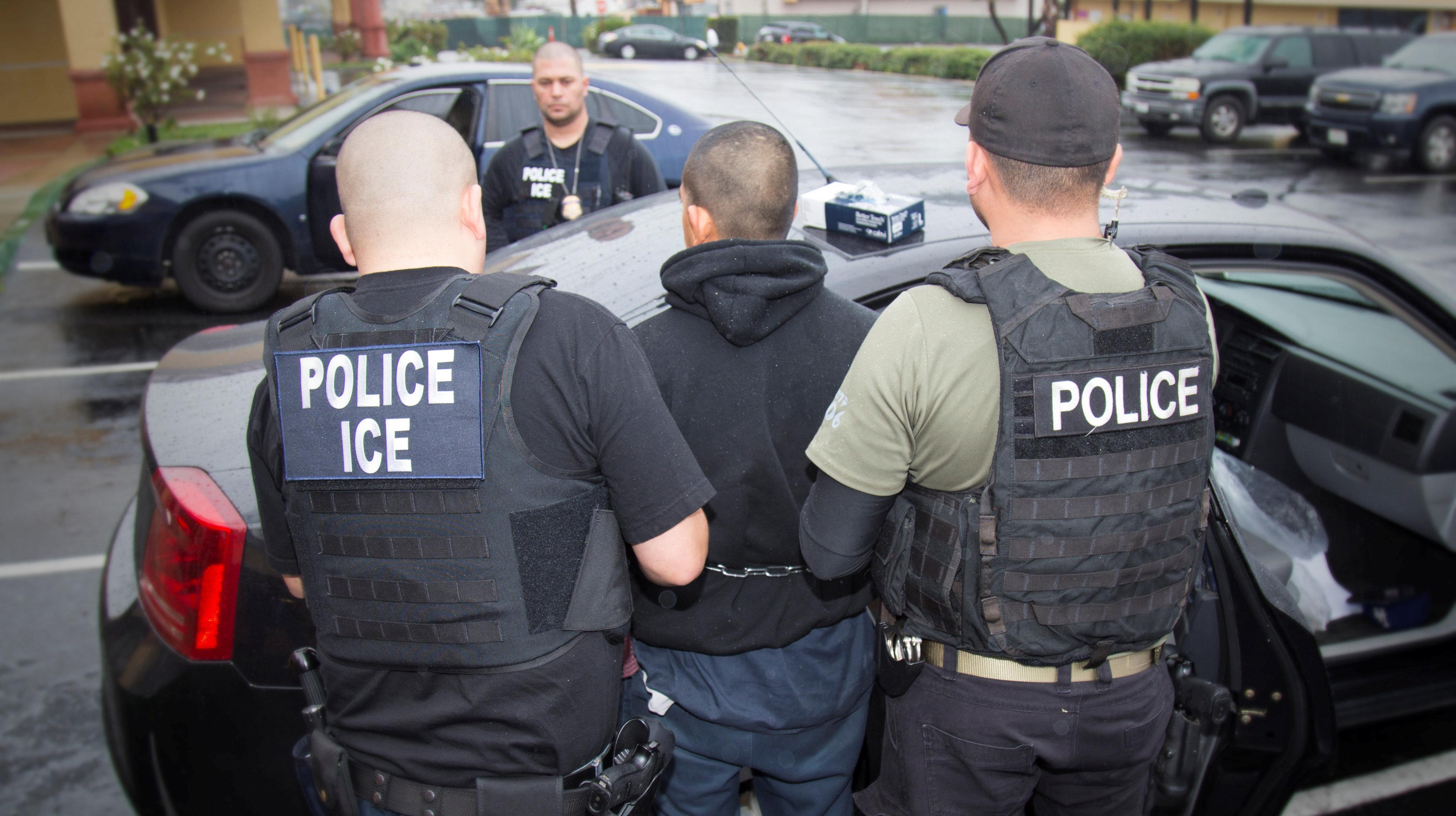 ICE Has Been Wrongly Detaining U.S. Citizens In Florida Jails, Says ACLU