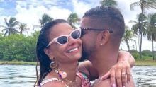 """Viviane Araújo se declara para namorado: """"Apenas sorri"""""""