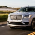 2019 Lincoln Navigator gets slight price hikes, crosses six-figure mark