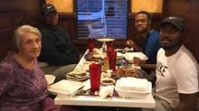 Friends go viral for touching act of kindness in Alabama restaurant