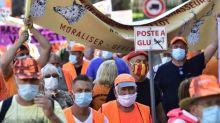 Les chasseurs manifestent dans la ville de Jean Castex pour le retour de la chasse à la glu