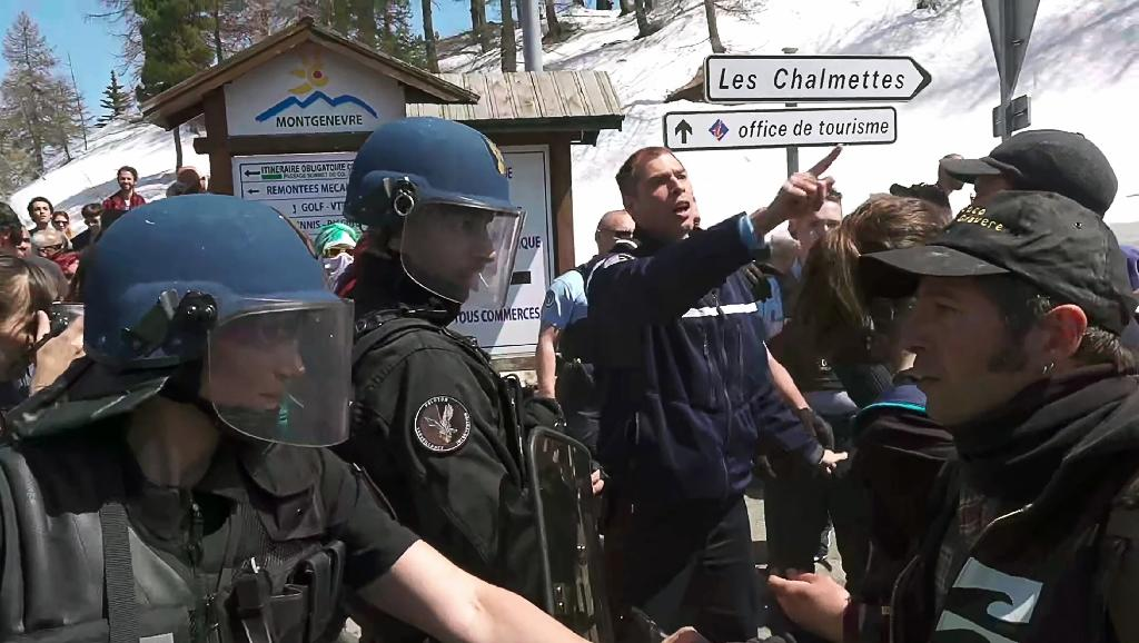 French police clashed with pro-migrant groups on the French-Italian Alpine border last weekend (AFP Photo/Handout)