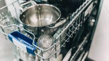 Einfacher Geschirrspüler-Trick löst ärgerliches Geschirr-Dilemma