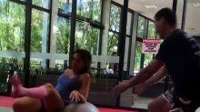 Patricia Abravanel mostra tombo durante exercício físico