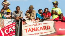 No money to gamble at Zimbabwe's fading racecourse