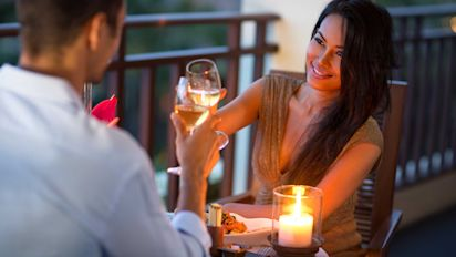 4 Rewards Credit Cards for Your Dating Life