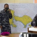 Frantic search for missing Indonesian sub as air dwindles