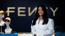 É oficial: Rihanna apresenta a primeira coleção da Fenty, sua grife de luxo!
