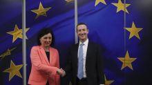 Contenus haineux: L'UE agite la menace de «mesures contraignantes» contre Facebook et les plateformes