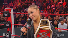 Booing fans cause Ronda Rousey to stumble over words