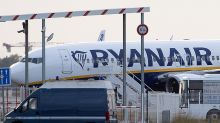 UPDATE 2-Ryanair growth to stall on further Boeing jet delays