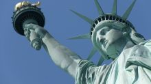 Woman who 'dated' the Statue of Liberty is now settling down with a chandelier