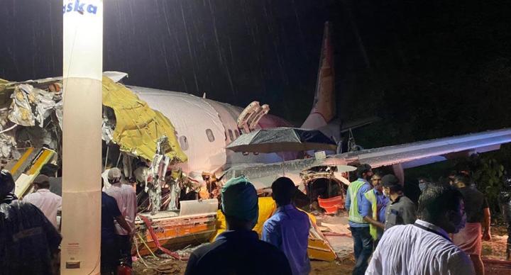 機身斷兩截 印度防疫撤僑專機17死