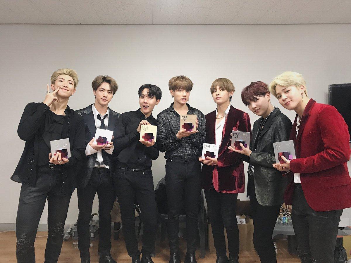 BTS日前在《MBC Plus X Genie音樂獎》上抱走多項大獎。(翻攝自BTS推特)