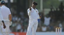 Sri Lanka closes in on test sweep against South Africa