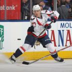 T.J. Oshie re-signs with Capitals for a long, long time