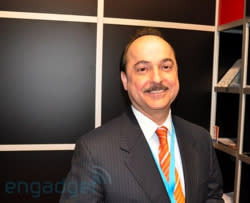 Ralph de la Vega 'laughs' when asked about AT&T iPhone exclusivity expiration date, says most customers will stay