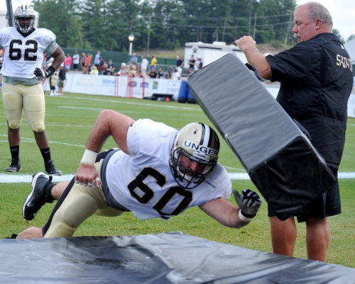 Saints center Max Unger reportedly could miss the start of the season with a foot injury. (AP)