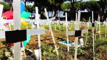 """""""Me siento traicionada"""": el cementerio de fetos abortados que desató indignación en Italia"""