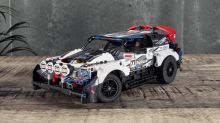 Drive the Lego Technic 'Top Gear' rally car with a smartphone