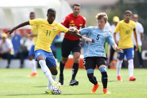 Campeão Sul-Americano, Carlos Amadeu defende essência do futebol brasileiro e explica trabalho na base