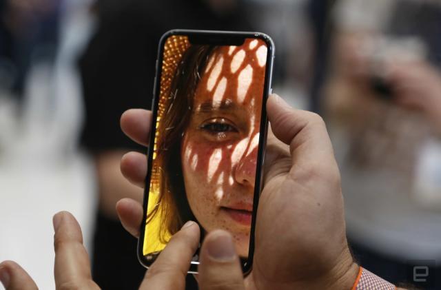 Apple responds to Sen. Al Franken's Face ID concerns in letter