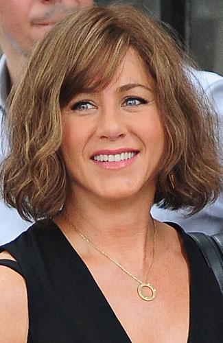 new bob hair styles hair alert aniston ditches waves 7571