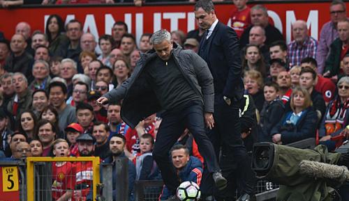 Premier League: Mou: Ich könnte Uniteds-Reserve spielen lassen