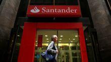 Santander Brasil dobra aposta em educação, introduz produtos para ensino básico