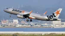 Hunt for Jetstar travellers after passenger tests positive for coronavirus