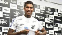 São Paulo pode ter de pagar dívida de aluguel do atacante Raniel, hoje no Santos