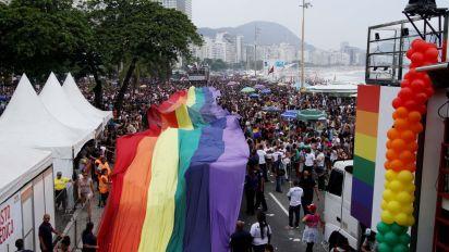 Sem Crivella, mas com resistência no Rio