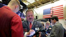 Wall Street cae levemente presionado por baja de sector de energía