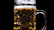 Estudos apontam que cerveja faz homens desenvolverem seios